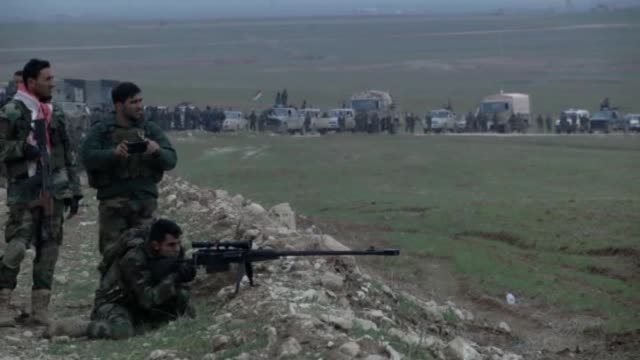 peshmerga fighters make preparations to attack islamic state of iraq and levant during the clashes in sinun district of mosul northern iraq as... - mortar weapon stock videos & royalty-free footage