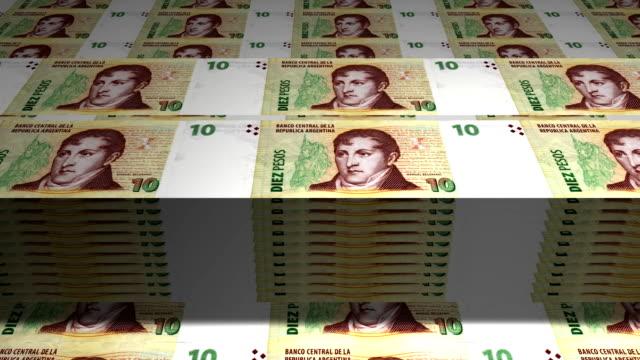 vídeos de stock, filmes e b-roll de 10 pesos argentino - distrito financeiro de manhattan
