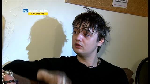 pete doherty interview; doherty interview sot - good times ahead, good times gone, bad times gone, bad times ahead / are you happy? / any major... - itv london tonight stock-videos und b-roll-filmmaterial