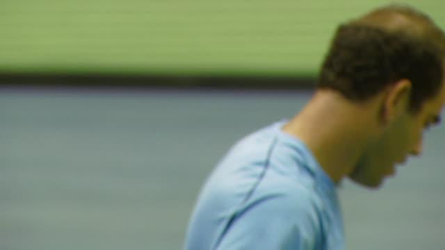 pete sampras at the advanta presents wtt smash hits celebrity tennis tournament at bren center university of irvine in irvine, california on... - irvine video stock e b–roll