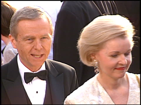 stockvideo's en b-roll-footage met pete wilson at the 1997 academy awards arrivals at the shrine auditorium in los angeles california on march 24 1997 - 69e jaarlijkse academy awards