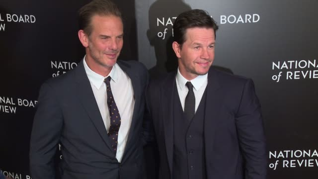 peter berg and mark wahlberg at national board of review gala at cipriani 42nd street on january 04 2017 in new york city - cipriani manhattan stock videos & royalty-free footage