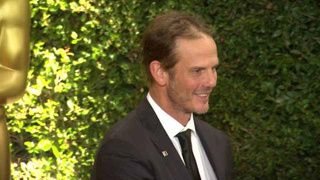 peter berg at academy of motion picture arts and sciences' governors awards in hollywood ca on - 映画芸術科学協会点の映像素材/bロール