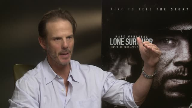 peter berg slams the critic amy nicholson for her negative review of 'lone survivor' at 'lone survivor'interview with peter berg at the dorchester... - dorchester hotel stock videos & royalty-free footage