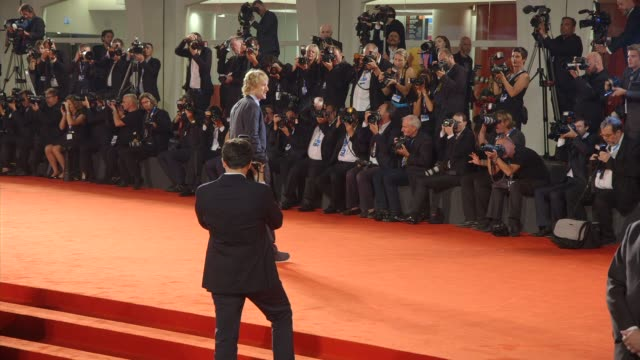 peter bogdanovich, louise stratten, owen wilson, kathryn hahn at 'she's funny that way' red carpet - 71st venice international film festival at... - ピーター・ボグダノヴィッチ点の映像素材/bロール