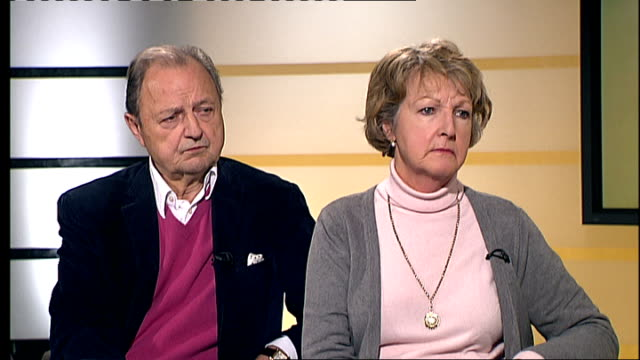 peter bowles and penelope keith interview continued sot - penelope keith stock-videos und b-roll-filmmaterial