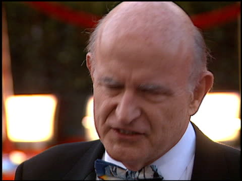 peter boyle at the 2000 screen actors guild sag awards arrivals at the shrine auditorium in los angeles, california on march 12, 2000. - shrine auditorium video stock e b–roll