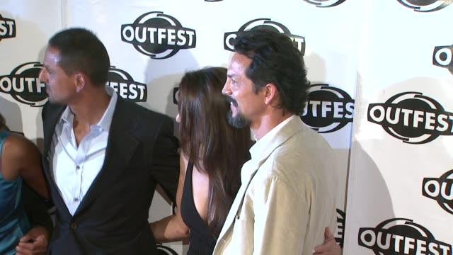 vídeos de stock, filmes e b-roll de peter bratt, talisa soto, benjamin bratt at the 2009 outfest opening night gala of 'mission' at los angeles ca. - benjamin bratt