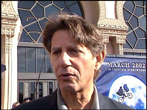 peter coyote at the 'et' 20th anniversary at the shrine auditorium in los angeles, california on march 16, 2002. - shrine auditorium 個影片檔及 b 捲影像