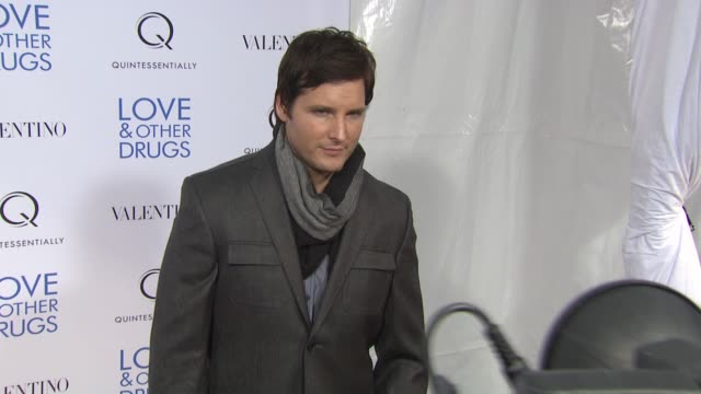 peter facinelli at dga theater on november 16, 2010 in new york, new york - peter facinelli video stock e b–roll
