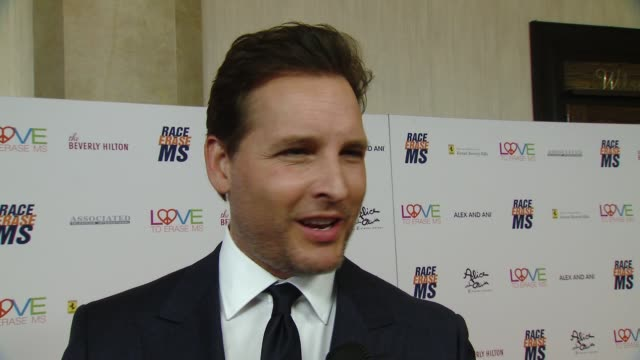 peter facinelli on all the good the event does at the race to erase 25th anniversary gala at the beverly hilton hotel on april 20, 2018 in beverly... - peter facinelli video stock e b–roll