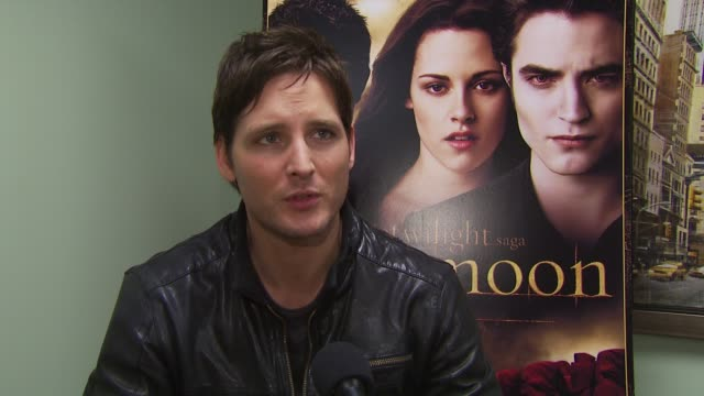peter facinelli on the cast feeling an obligation to their fans. at the summit home entertainment's 'new moon' dvd launch event - ny at new york ny. - dvd stock videos & royalty-free footage