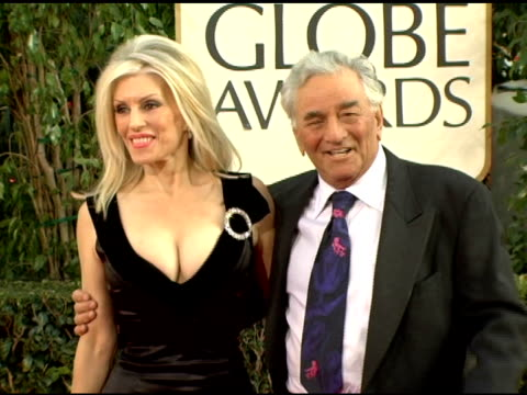 peter falk at the 2006 golden globe awards arrivals at the beverly hilton in beverly hills california on january 16 2006 - peter falk stock-videos und b-roll-filmmaterial
