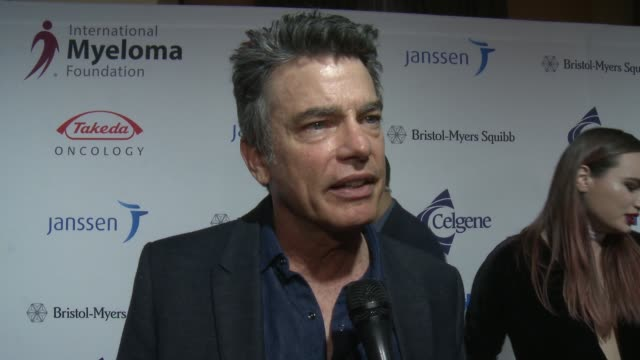 peter gallagher on the event and voting at international myeloma foundation's 10th annual comedy celebration benefiting the peter boyle research fund... - peter boyle stock videos & royalty-free footage