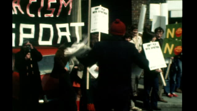 peter hain resigns forcing cabinet reshuffle 1970 oval day a young peter hain speaking at antiapartheid rally sot london antinazi league demonstration - 1970 stock videos & royalty-free footage