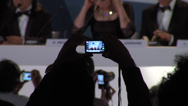 peter hosun ursuka meier matteo garrone laetitia casta michael mann samantha morton marina abramovic ari folman pablo trapero at winners press... - マリーナ アブラモヴィッチ点の映像素材/bロール