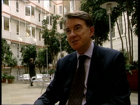 stockvideo's en b-roll-footage met peter mandelson interviewed sot i don't know what melvyn has said but i think i'm probably as close to pm and his family as anyone in political life... - peter mandelson