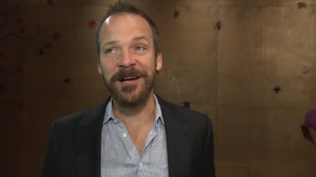 vídeos y material grabado en eventos de stock de peter sarsgaard on how he chooses his roles and their limitations, his aspirations, his views on the oscars at 'lovelace' special screening at the... - peter sarsgaard