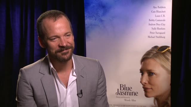 vídeos y material grabado en eventos de stock de peter sarsgaard on the economics of show business and worrying about his next project at the 'blue jasmine' los angeles press junket. interview -... - peter sarsgaard