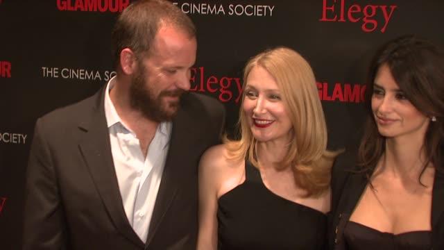 vídeos y material grabado en eventos de stock de peter sarsgaard, patricia clarkson at the cinema society presents screening of 'elegy' at new york ny. - peter sarsgaard