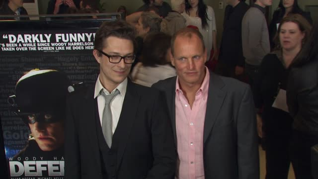 vidéos et rushes de peter stebbings woody harrelson at the 'defendor' premiere at los angeles ca - peter stebbings