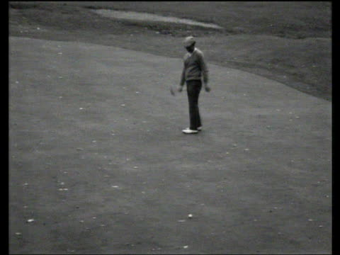 peter thompson misses putt on 18th green to give arnold palmer victory world matchplay championship final wentworth 1967 - pga world golf championship stock videos & royalty-free footage