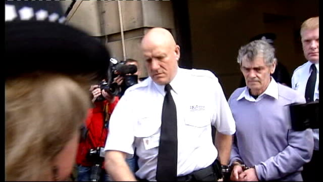 peter tobin convicted of dinah mcnicol murder lib linlithgow police leading handcuffed peter tobin along to police van tobin kicks out at press - linlithgow stock videos and b-roll footage