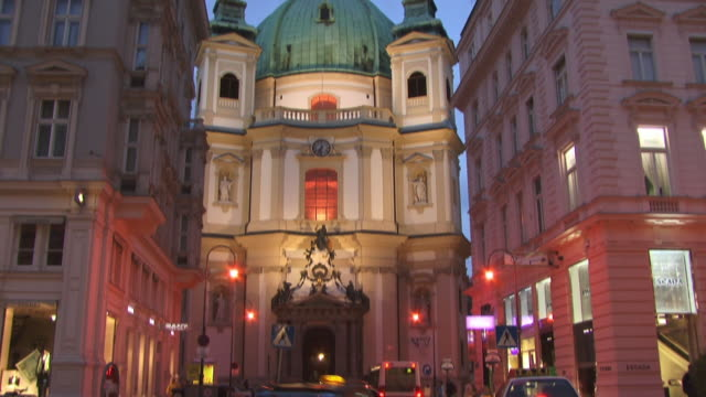 WS, TU, Peterskirche (St. Peter's Church) illuminated at dusk, Vienna, Austria