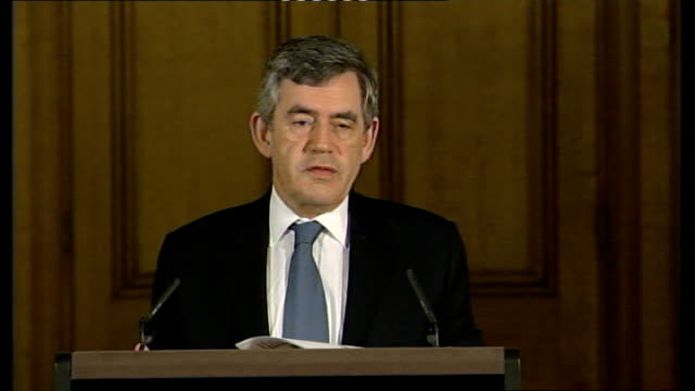 bma petition opposing superclinics london gordon brown mp press conference sot five thousand more general practitioners than ten years ago gp numbers... - petition stock-videos und b-roll-filmmaterial