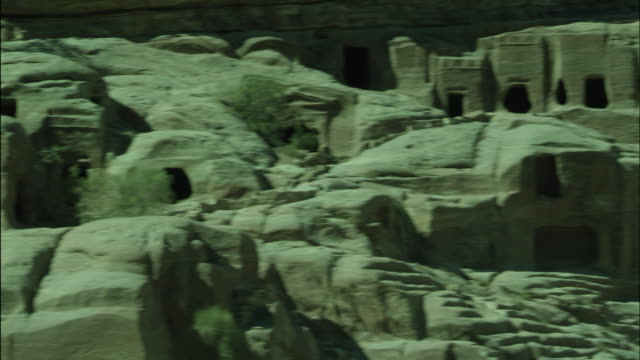 petra archaeological site, jordan - アラバ砂漠点の映像素材/bロール