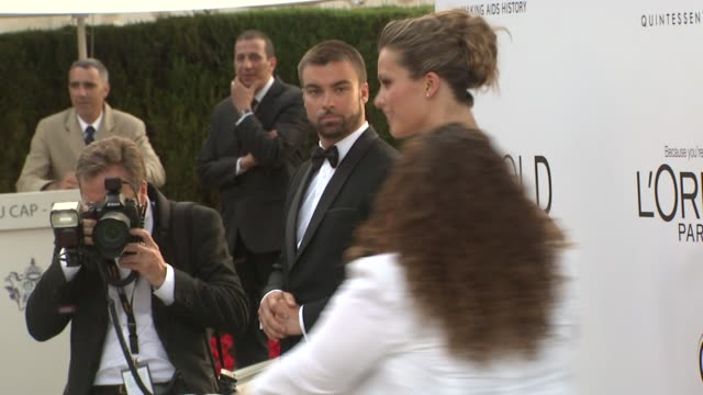 stockvideo's en b-roll-footage met petra nemcova and milla jovovich at 2012 amfar's cinema against aids on may 24 2012 in cannes france - amfar