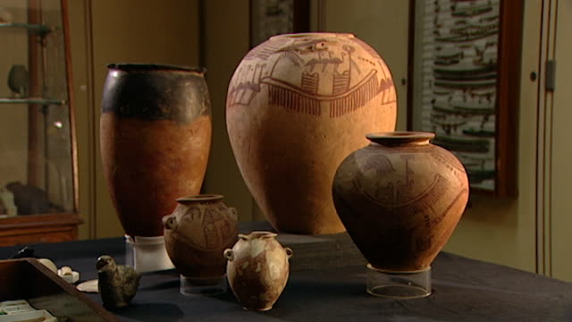 petrie museum. view of painted predynastic ancient egyptian pots. - pottery stock videos & royalty-free footage