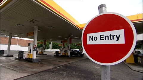 petrol tanker drivers' strike: no deal reached at talks; england: county durham: darlington: ext 'no entry' sign at entrance to shell petrol station - darlington north east england stock videos & royalty-free footage