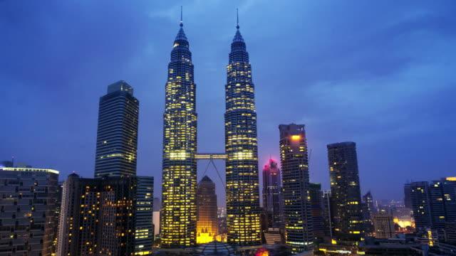 vídeos y material grabado en eventos de stock de petrona towers timelapse. de alta definición. kuala lumpur. malasia - malasia