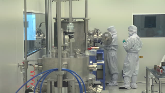 vídeos de stock e filmes b-roll de pharmaceutical machinery for medicine production - central de energia nuclear