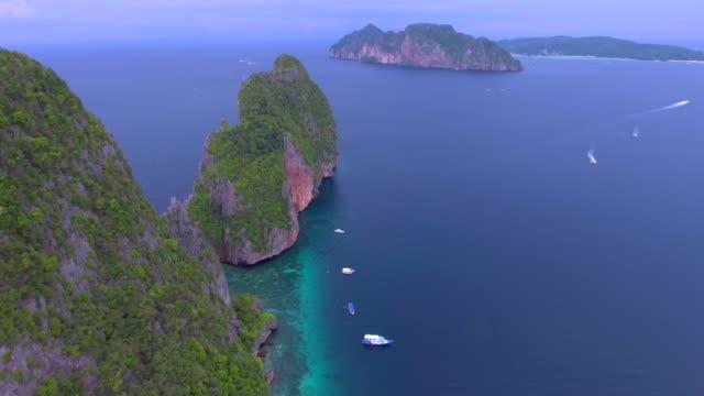 vídeos de stock e filmes b-roll de phi phi island - ilhas phi phi