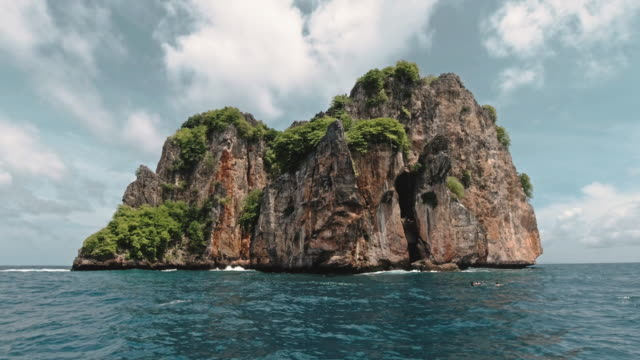 phi phi islands boat tour national park marine reserve bida nok thailand - view into land stock videos & royalty-free footage