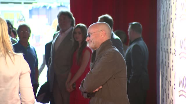 phil collins at the mojo honours list at london - phil collins stock videos & royalty-free footage