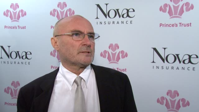 vídeos de stock, filmes e b-roll de phil collins on preforming at the prince's trust and his involvement with the trust. *guardian & telegraph out* at the prince's trust rock gala 2010... - phil collins