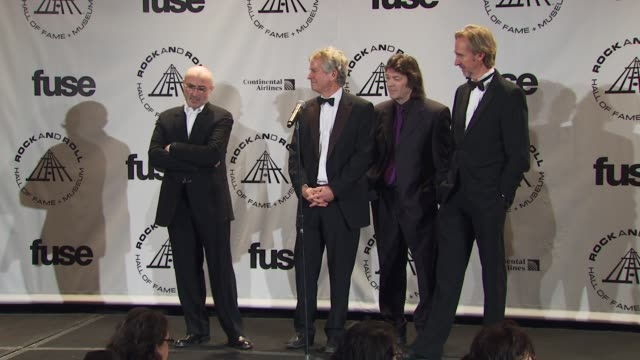 vídeos de stock, filmes e b-roll de phil collins, tony banks, steve hackett and mike rutherford of genesis on scraping the bottom of the barrel on box sets. at the 25th annual rock and... - phil collins