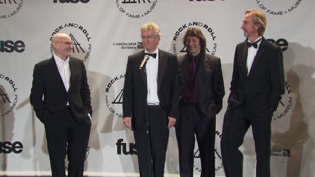 vídeos de stock, filmes e b-roll de phil collins, tony banks, steve hackett and mike rutherford of genesis on this possibly being the last time they receive an award together. at the... - phil collins