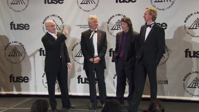 vídeos de stock, filmes e b-roll de phil collins, tony banks, steve hackett and mike rutherford of genesisi at the 25th annual rock and roll hall of fame induction ceremony - press room... - phil collins