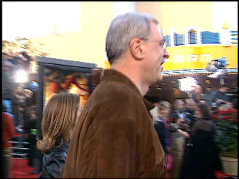 phil jackson at the 'spiderman' premiere on april 29, 2002. - phil jackson stock videos & royalty-free footage
