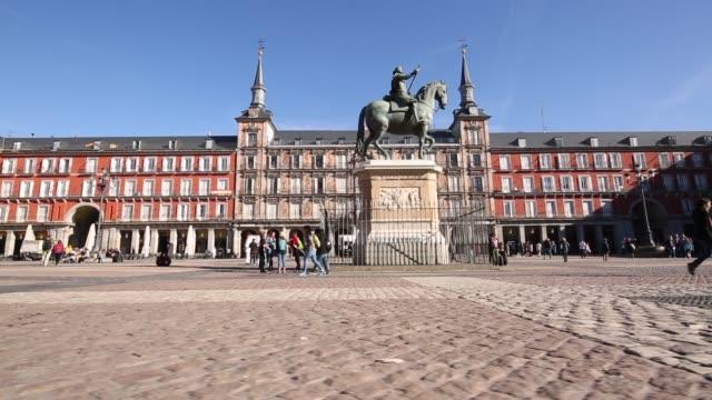 philip iii statue in plaza mayor, madrid, spain, europe - madrid stock videos & royalty-free footage