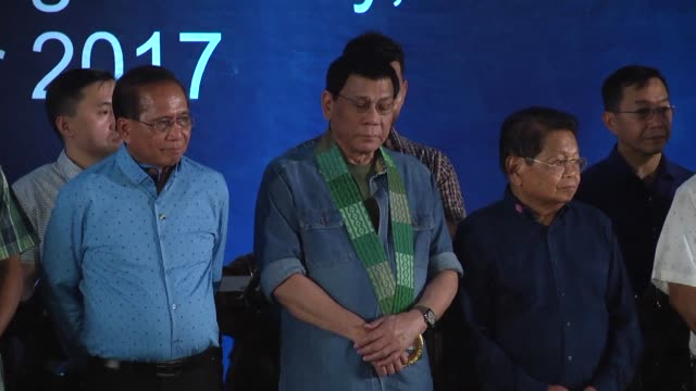 stockvideo's en b-roll-footage met philippine president rodrigo duterte vowed to correct historical injustice in a speech to filipino muslim rebels on monday as his government seeks to... - toespraak
