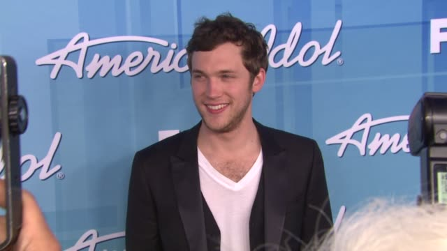 phillip phillips at american idol season 11 grand finale show photo room on 5/23/12 in los angeles ca - american idol stock videos and b-roll footage