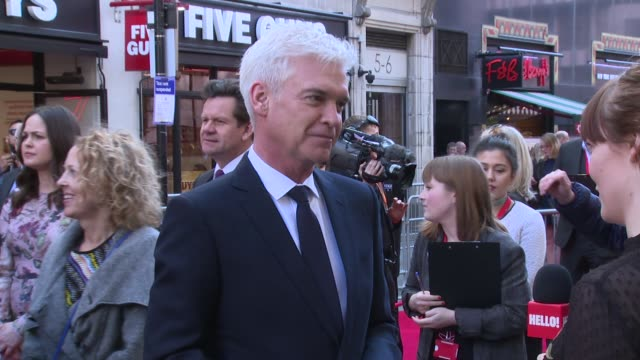 phillip schofield at london palladium on march 15, 2017 in london, england. - フィリップ スコフィールド点の映像素材/bロール
