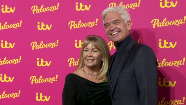 phillip schofield, stephanie lowe at itv palooza at the royal festival hall on november 12, 2019 in london, england. - フィリップ スコフィールド点の映像素材/bロール
