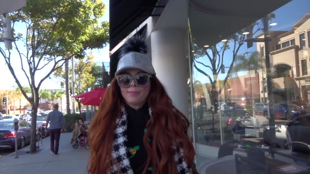 phoebe price discusses r. kelly and jussie smollett while out in beverly hills at celebrity sightings in los angeles on february 22, 2019 in los... - r. kelly stock videos & royalty-free footage