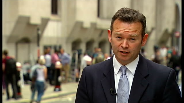 andy coulson found guilty of conspiring to hack phones reporter to camera - andy coulson stock videos & royalty-free footage